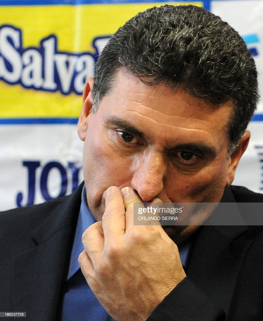 The coach of Honduras football team, Colombian Luis Suarez, gestures during a press conference to announce the players list for the upcoming Brazil 2014 FIFA World Cup CONCACAF qualifier match against US, on January 28, 2013 in Tegucigalpa. Honduras will face US next February 6 at the Olimpico stadium in San Pedro Sula. AFP PHOTO / Orlando SIERRA