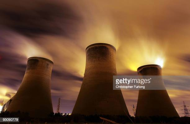 The coal fueled Fiddlers Ferry power station emits vapour into the night sky on November 16 2009 in Warrington United Kingdom As world leaders...