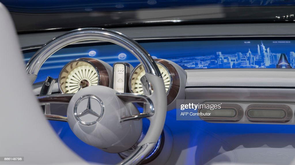 The cockpit of an electric-powered Vision Mercedes-Maybach 6 ... | {Auto cockpit mercedes 3}