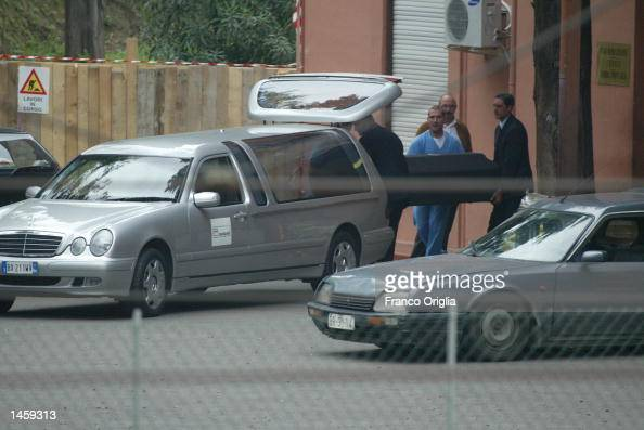 The coffin carrying the body of producer and director Bruce Paltrow is moved from the morgue of San Camillo hospital October 4 2002 in Rome Italy...
