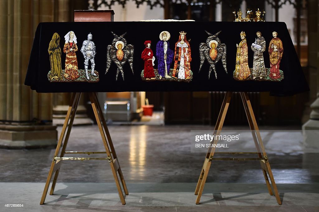 The coffin containing the remains of King Richard III is draped in a specially-embroidered 'pall' and adorned with a crown as it sits in repose inside Leicester Cathedral in Leicester, central England on March 22, 2015. Richard, who ruled England from 1483 until his death in 1485 at the Battle of Bosworth, will be laid to rest on March 26, 2015 in Leicester Cathedral, across the street from where his remains were located in 2012.