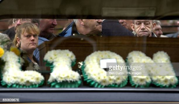 The coffin of Celtic legend Bobby Murdoch is taken from St Columbkille's in Rutherglen Glasgow Bobby Murdoch who died on 15/5/01 aged 56 was regarded...