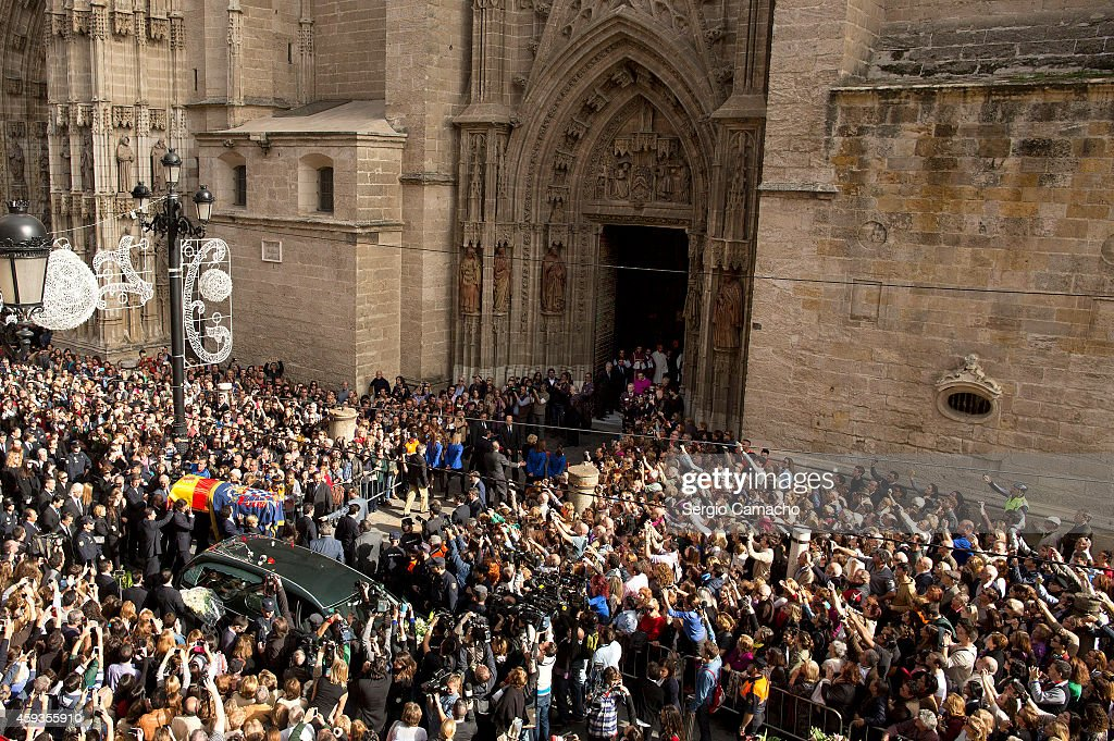 The coffin of the Duchess of Alba arrives at Seville Cathedral on November 21, 2014 in Seville, Spain. 88-year-old Maria del Rosario Cayetana Fitz-James-Stuart, the 18th Duchess of Alba, who held more titles than any other aristocrat in the world, died at home in Seville yesterday after a short illness.
