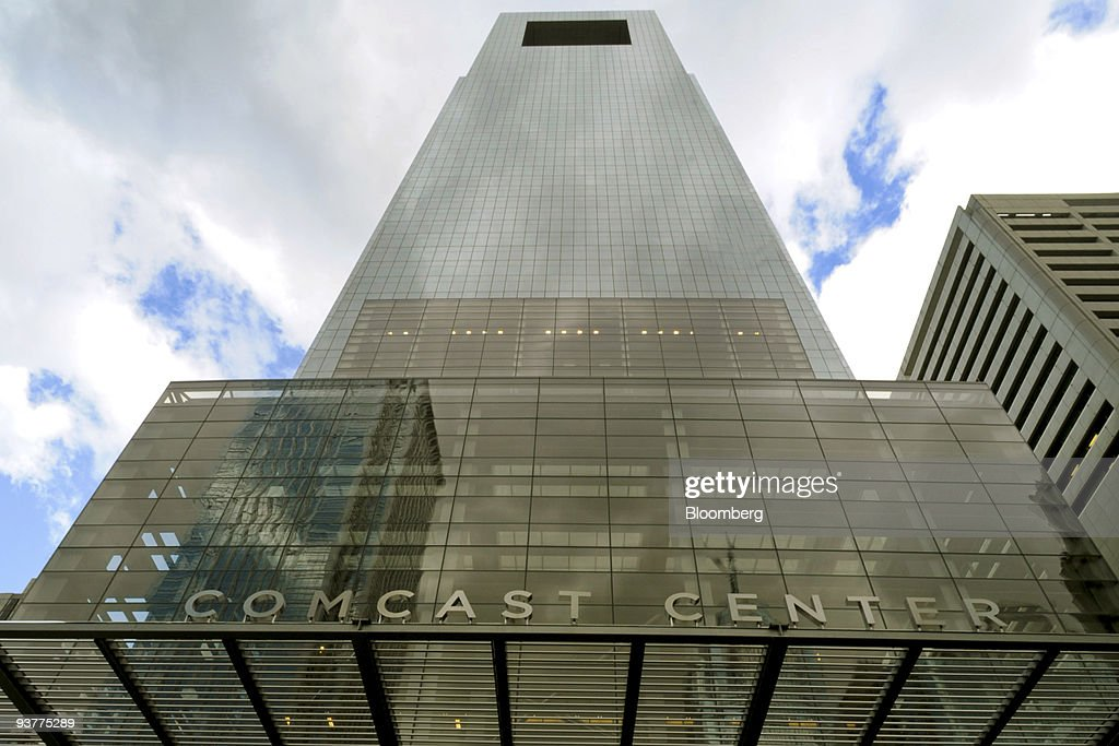 The Comcast Center building, which houses the headquarters of Comcast Corp., stands in Philadelphia, Pennsylvania, U.S., on Thursday, Dec. 3, 2009. Comcast Corp., the largest U.S. cable-television operator, agreed to form a $37 billion joint venture combining General Electric Co.'s NBC Universal with its own media assets, strengthening a push into programming. Photographer: Bradley C. Bower/Bloomberg via Getty Images