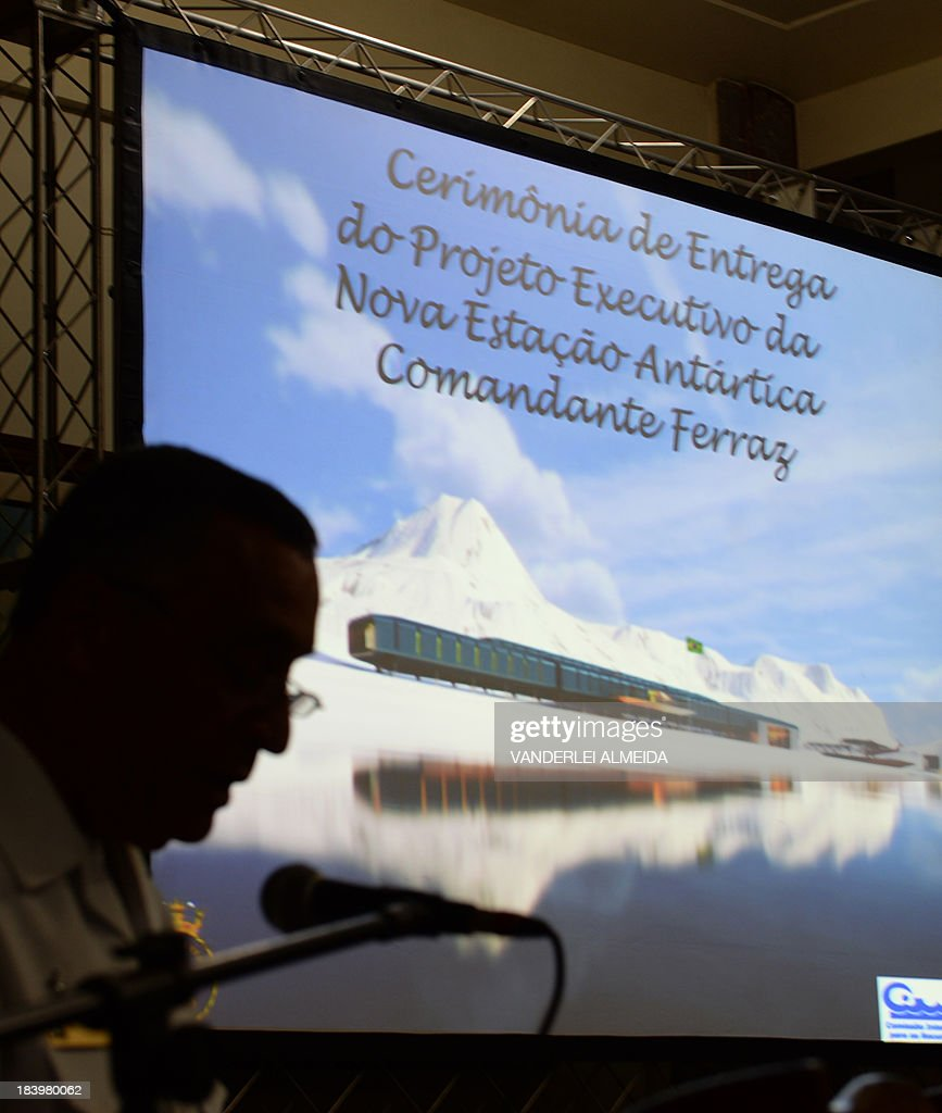 The commander of the Brazilian Navy, admiral Julio Soares de Moura Neto, speaks during the presentation of the project for the new base in Antarctica, in Rio de Janeiro, on October 10, 2013. Work on rebuilding the Brazilian Antarctic 'Comandante Ferraz' base, which was destroyed almost completely on February 25, 2012 by a fire that left two military personnel dead, is scheduled to begin soon and is expected to be inaugurated on March 2015. AFP PHOTO/VANDERLEI ALMEIDA