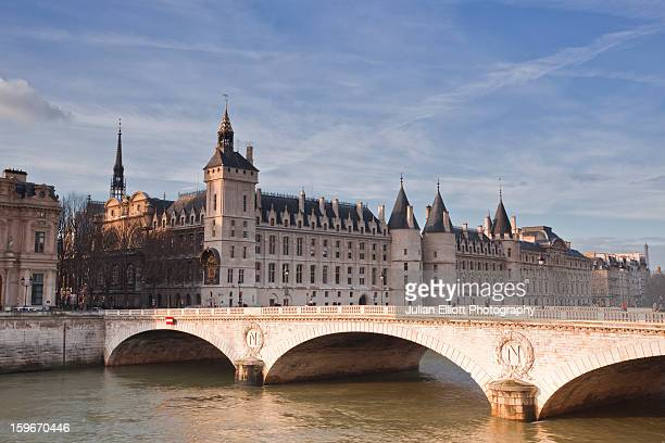 The Conciergerie across the river Seine.