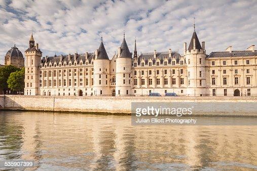 The Conciergerie in Paris, France : Foto de stock