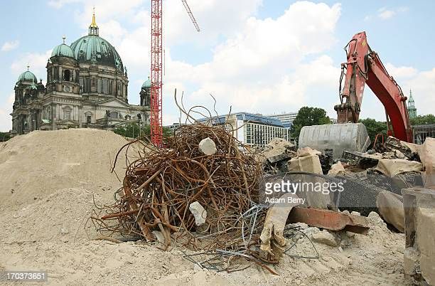 The construction site of the Berliner Schloss city palace in seen in front of the Berliner Dom cathedral on June 12 2013 in Berlin Germany The...