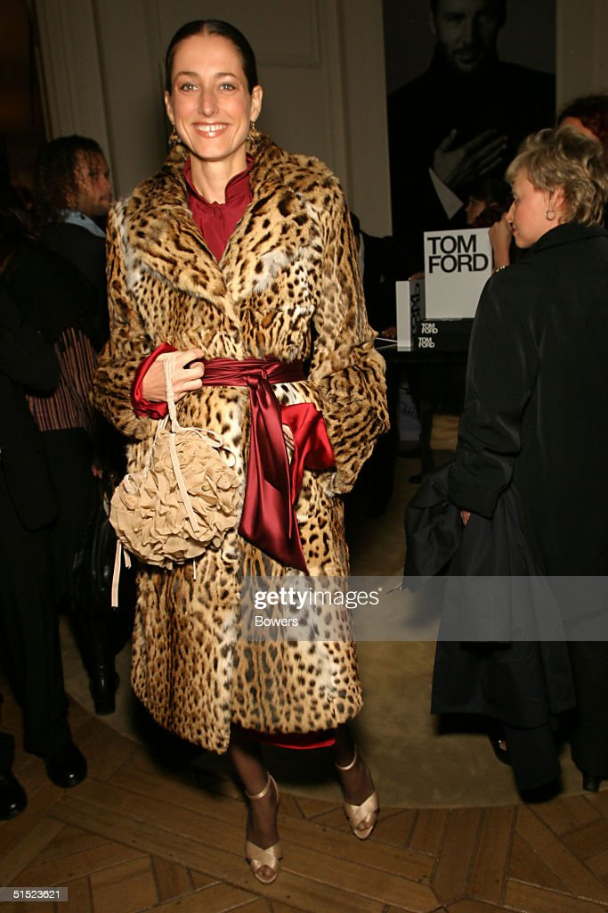 The Countess of Albemarle poses at the book launch party for 'Tom Ford:Ten Years' at Bergdorf Goodman October 20, 2004 in New York City. (Photo by Bowers/Getty Images).