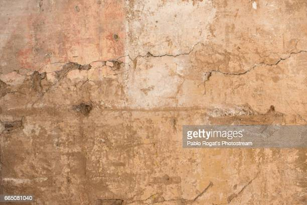 The cracked stucco texture