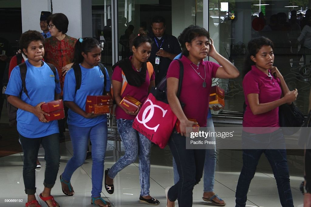 AIRPORT TANGERANG BANTEN INDONESIA The criminal agency of Indonesia Police managed to thwart the practice of human trafficking against 16 girls from...