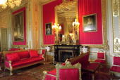 The Crimson Drawing Ro0m Windsor Castle After Complete Restoration Following The Fire