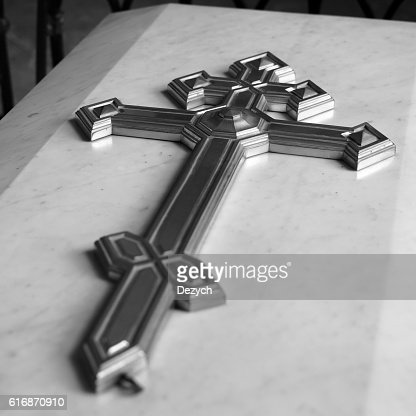 The cross on marble coffin : Stock Photo