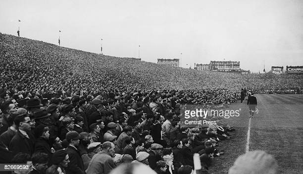 The crowd at the match between Chelsea and Moscow Spartak at Stamford Bridge London 13th November 1945