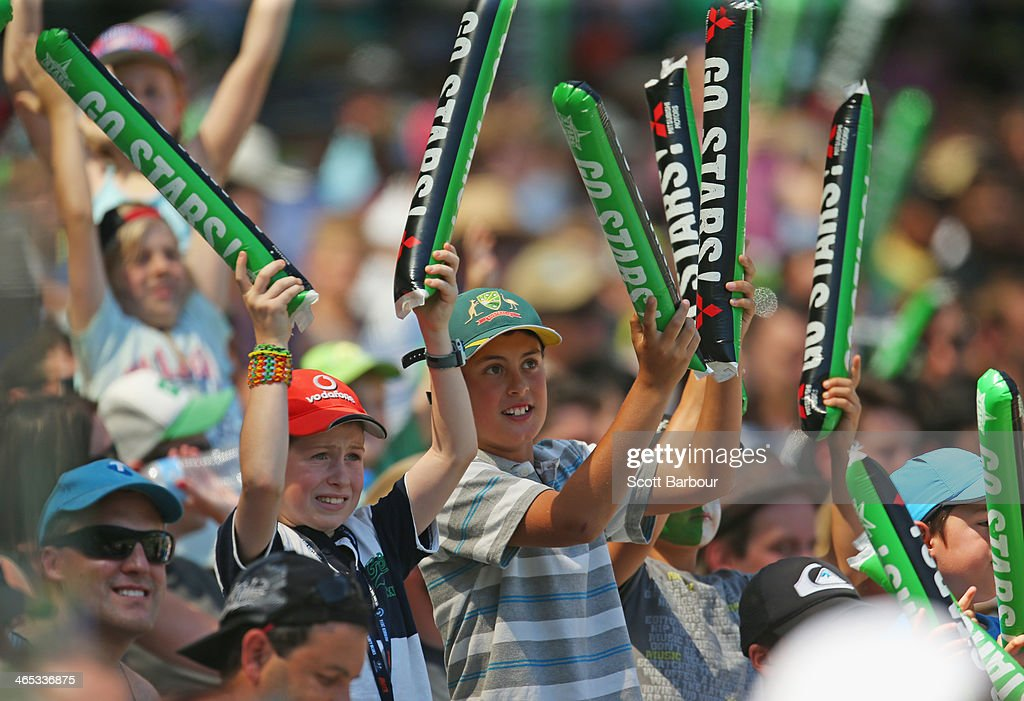 The crowd cheers as the Stars hit a boundary during the Big Bash League match between the Melbourne Stars and the Perth Scorchers at Melbourne Cricket Ground on January 27, 2014 in Melbourne, Australia.