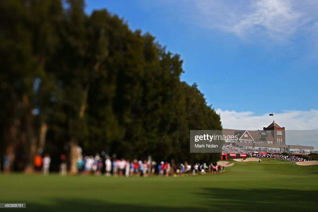 The crowd gathers along the 18th hole up to the club house during day one of the 2013 Australian Open at Royal Sydney Golf Club on November 28, 2013 in Sydney, Australia.
