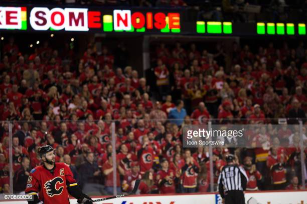 The crowd gets behind Calgary Flames Defenceman Mark Giordano as the clock counts down on the Flames season during game 4 of the first round of the...