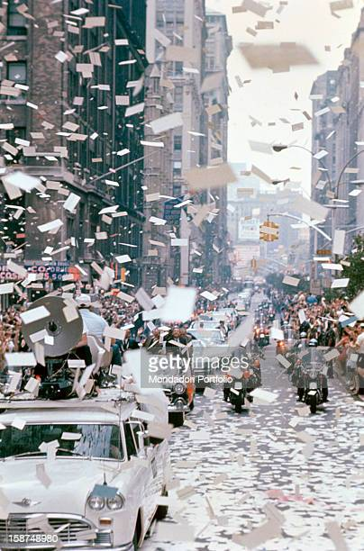 The crowd giving a warm welcome to Apollo 11 astronauts after the mission that brought them on the Moon New York August 1969