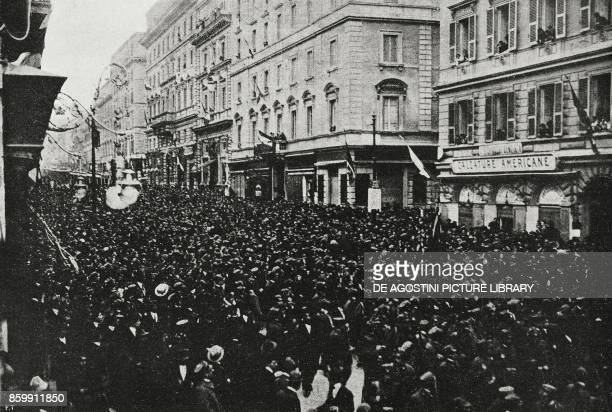 The crowd in Via Nazionale at the passage of Armando Diaz and Pietro Badoglio Rome Italy celebration for the victory in World War I from...
