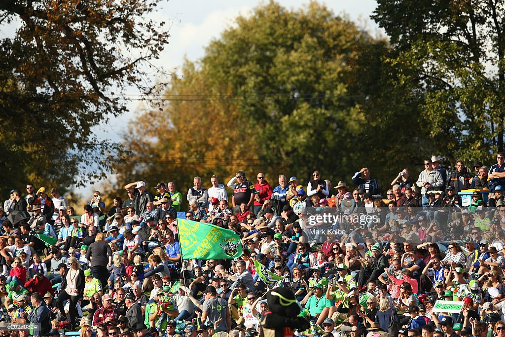 The crowd watch on during the round nine NRL match between the Penrith Panthers and the Canberra Raiders at Carrington Park on April 30, 2016 in Bathurst, Australia.