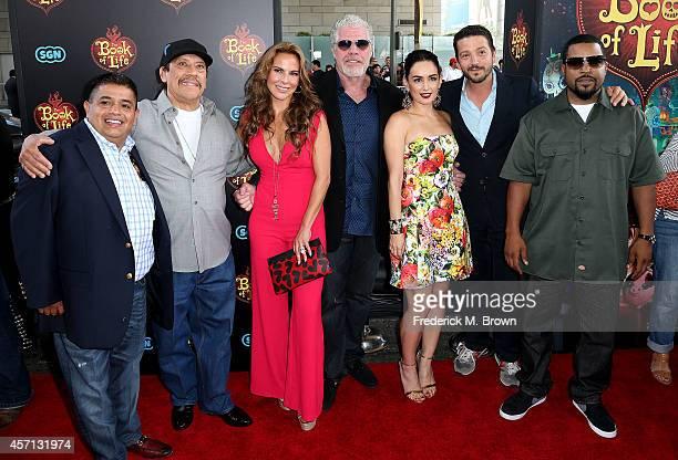 The csast Ricardo 'El Mandril' Sanchez Danny Trejo Kate del Castillo Ron Perlman Ana de la Reguera Diego Luna and Ice Cube attend the Premiere of...