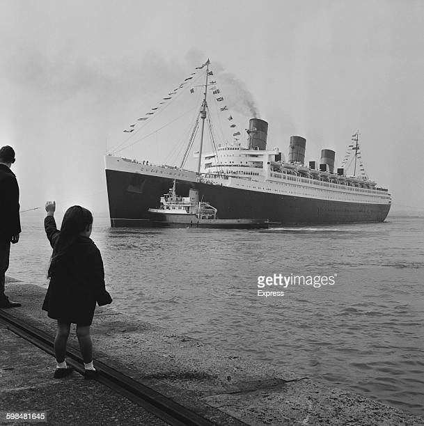 The Cunard ocean liner 'RMS Queen Mary' leaves for California on her final transatlantic voyage 15th September 1967
