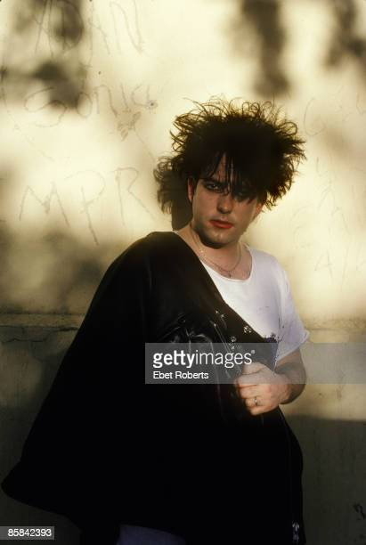 Photo of The CURE and Robert SMITH Posed portrait of Robert Smith