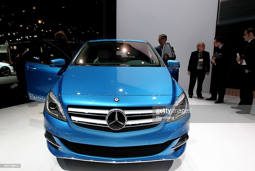 The Daimler AG Mercedes-Benz B-class electric drive vehicle sits on display at the company's booth during the 2013 New York International Auto Show in New York, U.S., on Wednesday, March 27, 2013. The 113th New York International Auto Show, which runs from March 29 to April 7, features 1,000 vehicles as well the latest in tech, safety and innovation. Photographer: Jin Lee/Bloomberg via Getty Images
