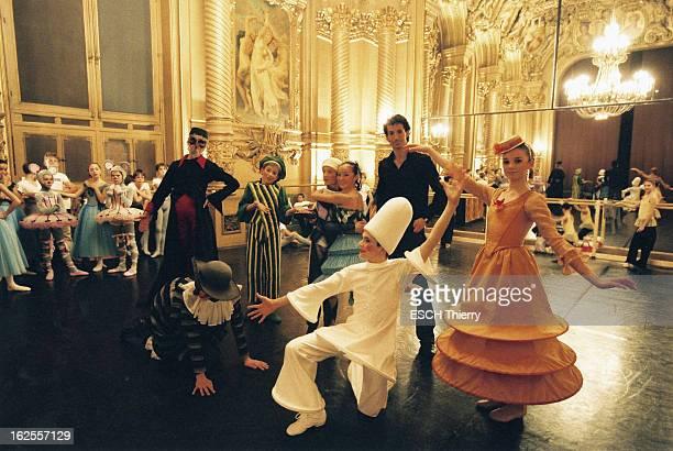 The Danse School Of Paris Opera Les petits rats de l'Opéra de Paris à l'école de danse dirigée par Elisabeth PLATEL à NANTERRE répétition en costumes...