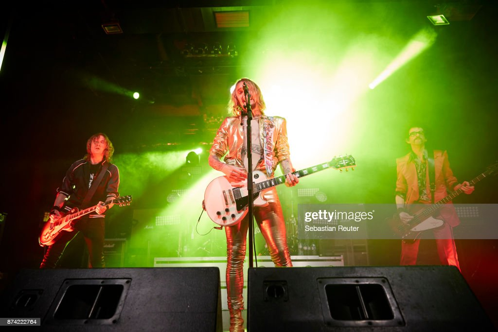 The Darkness perform at Columbia Theater on November 14, 2017 in Berlin, Germany.
