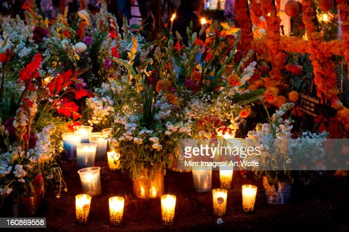 The Day of the Dead is celebrated in the towns and villages around Lake Patzcuaro. Preparations include major cleaning and repair of the local cemeteries. : Stock Photo