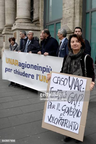 The delegation of parliamentarians of IDEA Gaetano Quagliariello Eugenia Roccella and Carlo Giovanardi during a sitin in Largo Chigi demanding the...