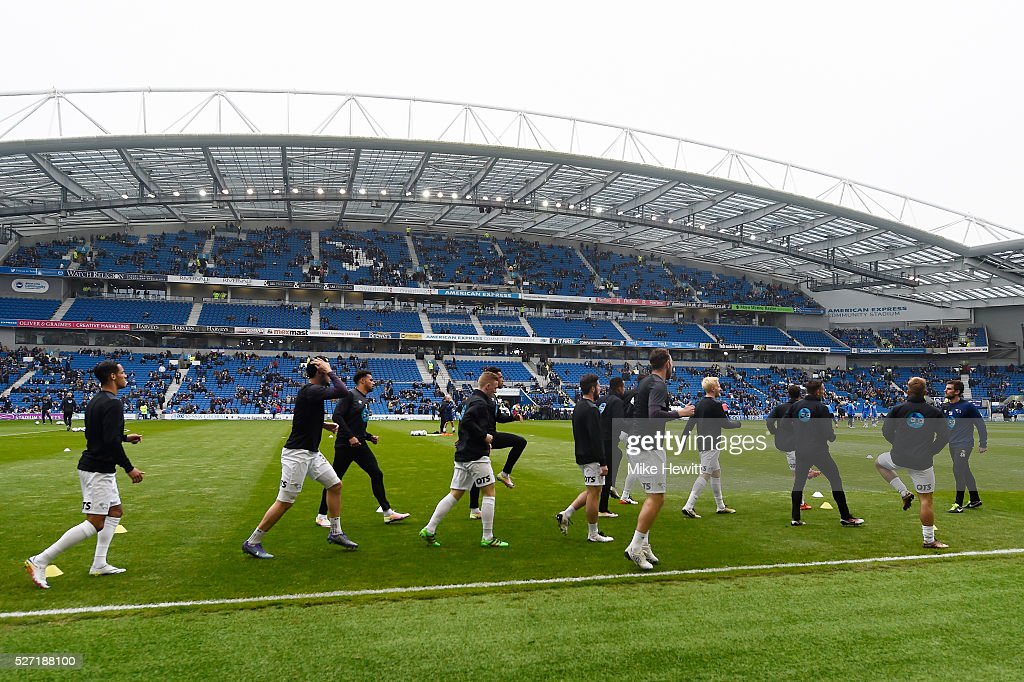 The Derby players warm up prior to kickoff during the Sky Bet Championship match between Brighton and Hove Albion and Derby County at the Amex Stadium on May 2, 2016 in Brighton, United Kingdom.