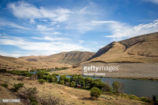 The Deschutes River in Oregon on a sunny day.