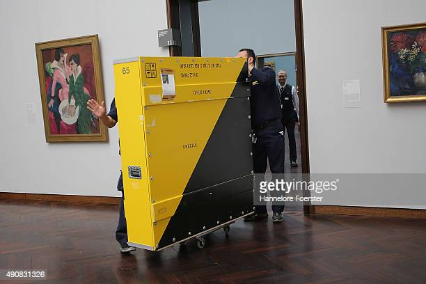 The 'Dialog der Meisterwerke' Exhibition preview is hung at Staedel Museum Frankfurt on October 1 2015 in Frankfurt am Main Germany On the occasion...