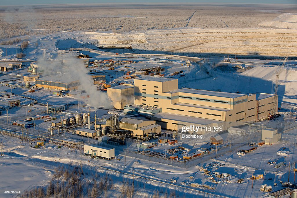 The diamond processing plant operated by OAO Alrosa stands in the snow in Nakyn, Russia, on Friday, Nov. 15, 2013. OAO Alrosa, the world's largest diamond producer, raised about $1.3 billion in an oversubscribed share sale from investors including Oppenheimer Funds Inc. and Lazard Ltd.'s asset-management unit, First Deputy Prime Minister Igor Shuvalov said. Photographer: Andrey Rudakov/Bloomberg via Getty Images