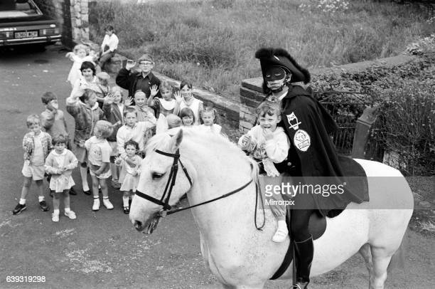 The Dick Turpin fan club the famous highwayman alias Richard Hutchings proved popular with local children when he turned up at the Woodman Inn...