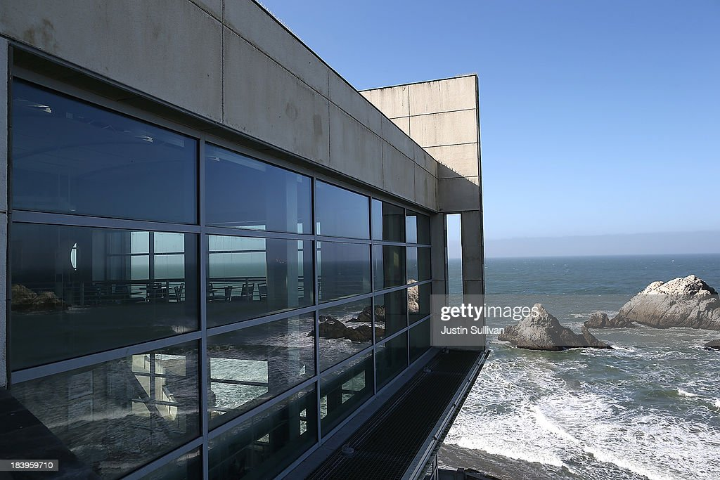 landmark bay area restaurant the cliff house closed due to gov't