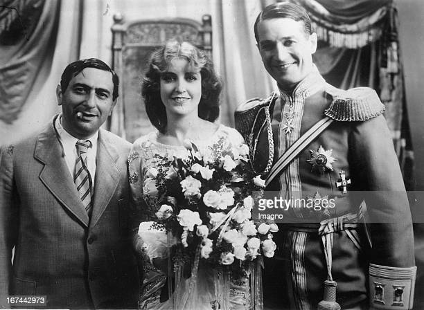The director Ernst Lubitsch with Jeanette MacDonald and Maurice Chevalier during rehearsals of the filmoperette DIE LIEBESPARADE 1929 Photograph Der...