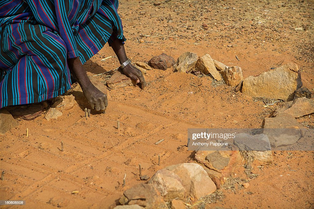 the divination Dogon : Stock Photo