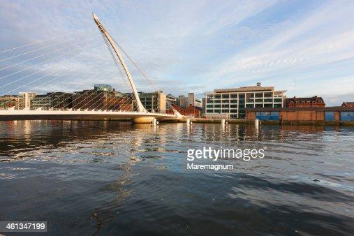 The Docks, Samuel Beckett bridge