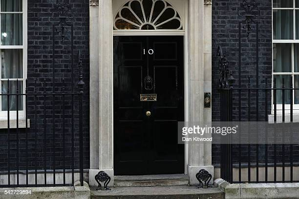 The door is closed to 10 Downing Street after British Prime Minister David Cameron resigned on the steps on June 24 2016 in London England The...