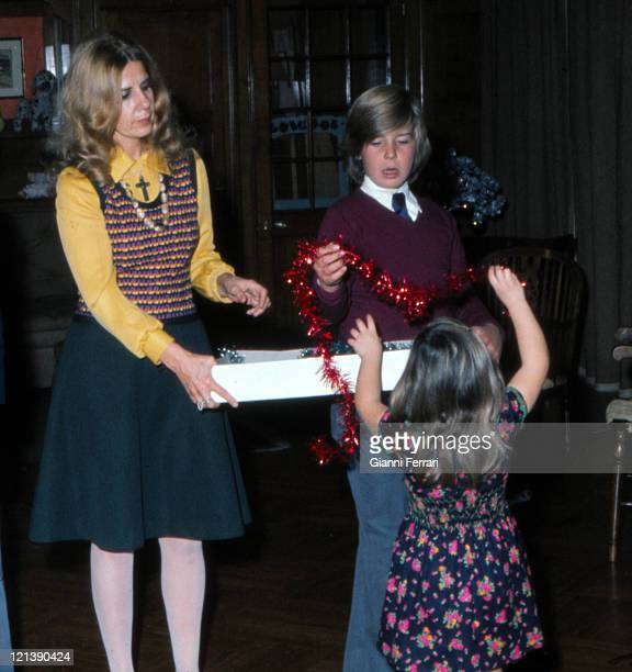 The Duchess Cayetana of Alba with their children Eugenia XI Duchess of Montoro and Cayetano Count of Salvatierra at Christmas at the 'Palacio de...