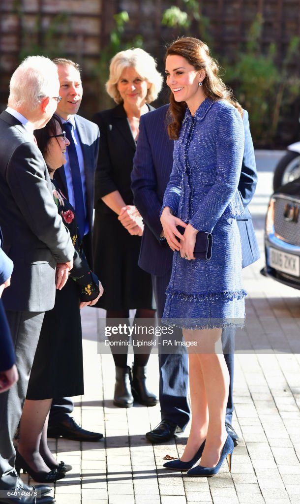 the-duchess-of-cambridge-arrives-at-the-ronald-mcdonald-house-evelina-picture-id646145378