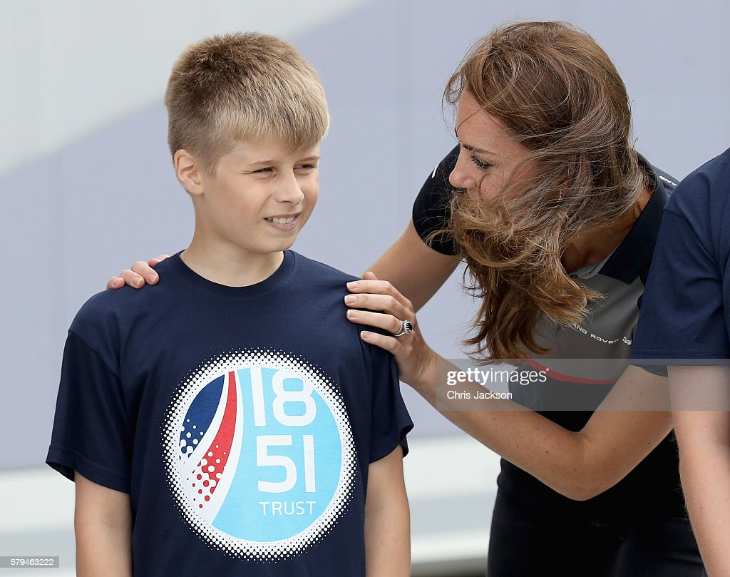 the-duchess-of-cambridge-talks-to-a-young-member-of-the-1851-trust-picture-id579463222