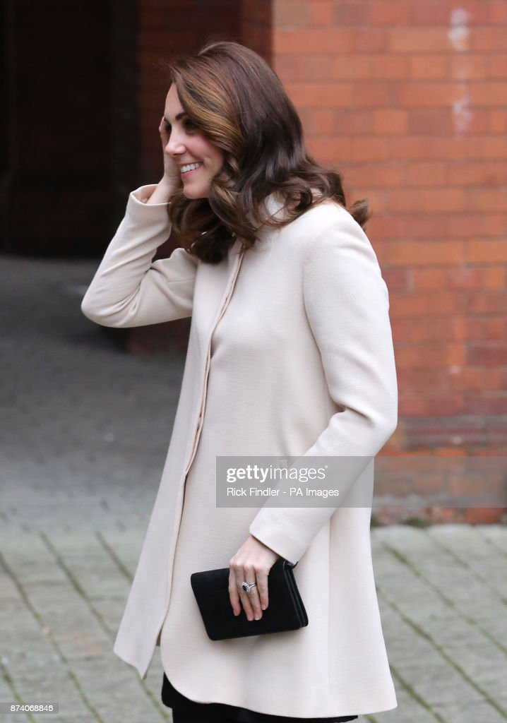 the-duchess-of-cambridge-visits-family-action-at-hornsey-road-centre-picture-id874068846