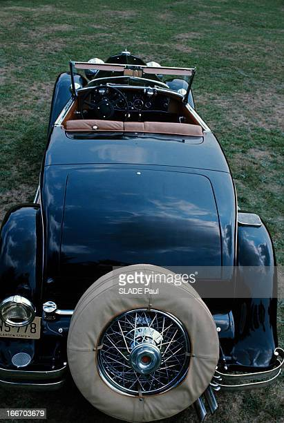 The Duesenberg Model Cabriolet 'J' Aux EtatsUnis en septembre 1966 le cabriolet DUSENBERG modèle 'J' une voiture de collection une vue au dessus et à...