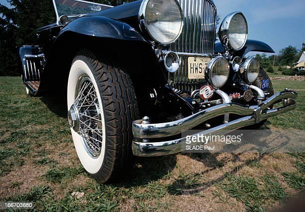 The Duesenberg Model Cabriolet 'J' Aux EtatsUnis en septembre 1966 le cabriolet DUSENBERG modèle 'J' une voiture de collection la roue avant droite...