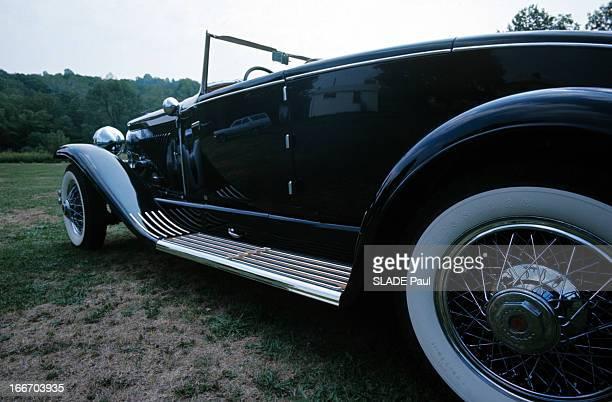 The Duesenberg Model Cabriolet 'J' Aux EtatsUnis en septembre 1966 le cabriolet DUSENBERG modèle 'J' une voiture de collection le côté gauche une vue...