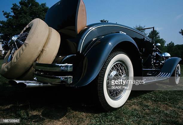 The Duesenberg Model Cabriolet 'J' Aux EtatsUnis en septembre 1966 le cabriolet DUSENBERG modèle 'J' une voiture de collection vue de l'arrière la...